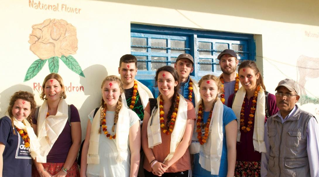 Students on the Physiotherapy internship for teenagers in Nepal, enjoy cultural activities on the weekend.